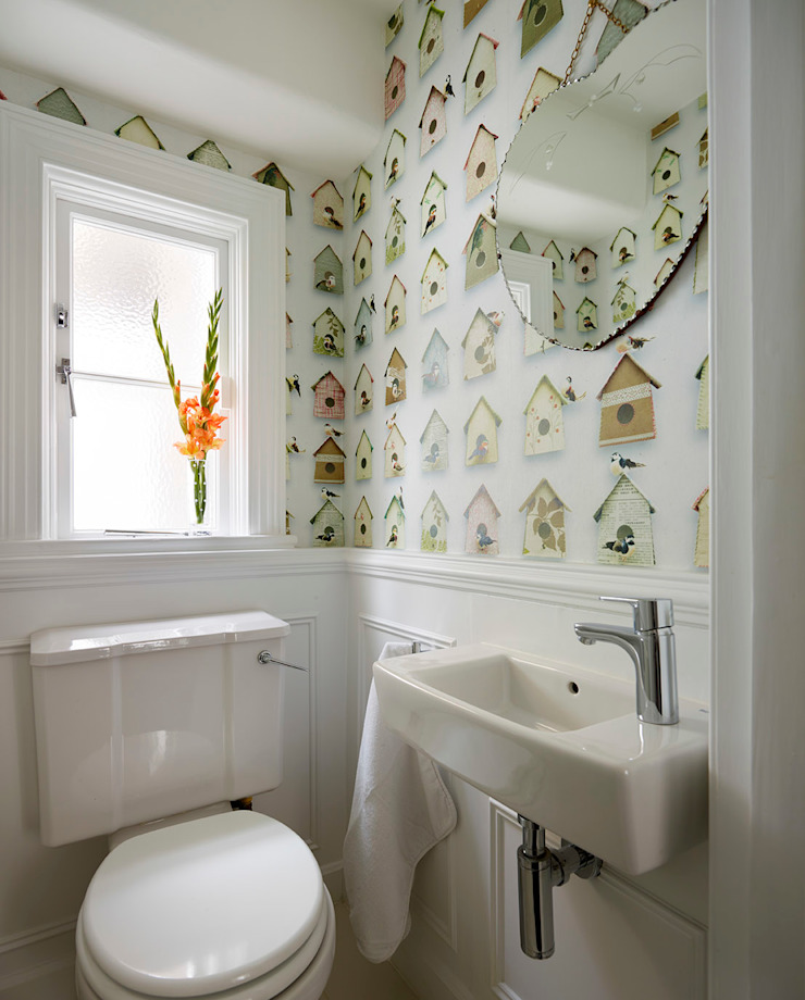 Reflected Glory—Holland Park Renovation Tyler Mandic Ltd Modern bathroom