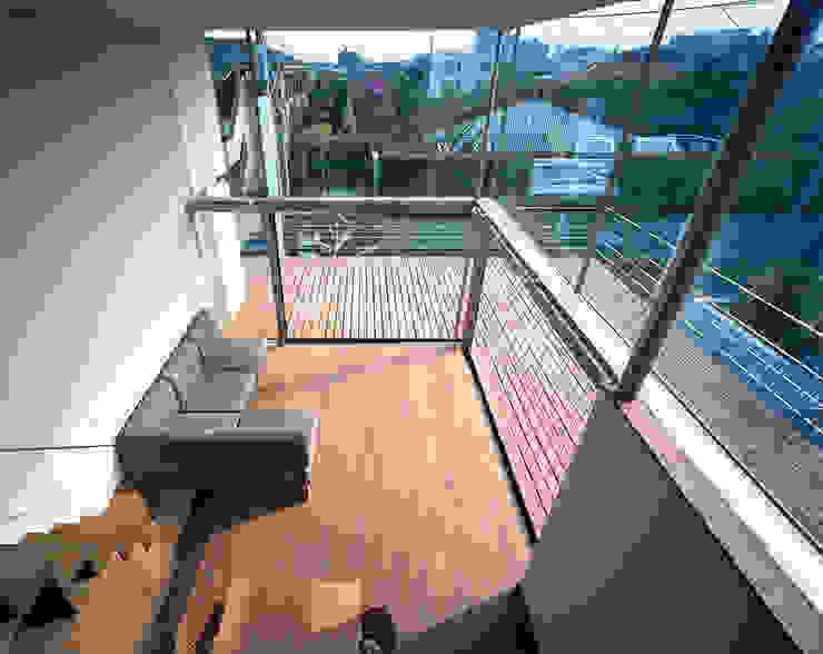 Living room by 西島正樹/プライム一級建築士事務所 ,