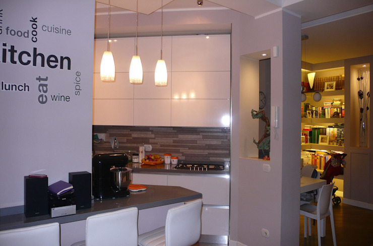 Intervento di Ristrutturazione di un appartamento zona Monteverde, a Roma . Cucina moderna di NicArch Moderno