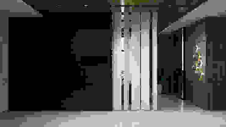 A Posteriori Коридор, прихожая и лестница в модерн стиле от Max Kasymov Interior/Design Модерн