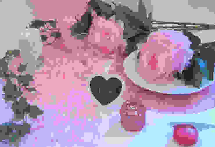 Déco de table blanc et fushia - Thème Blanc/Rose/ créé par Nappes en Fête par Nappes en Fête Éclectique