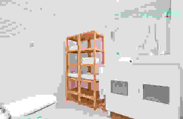 Apartamento SkyLine Baños de estilo clásico de Javier Zamorano Cruz Clásico