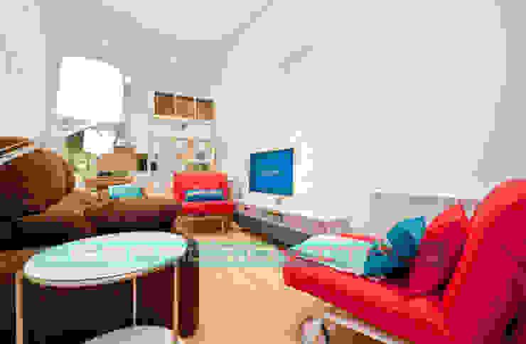 Apartamento SkyLine Salones de estilo clásico de Javier Zamorano Cruz Clásico