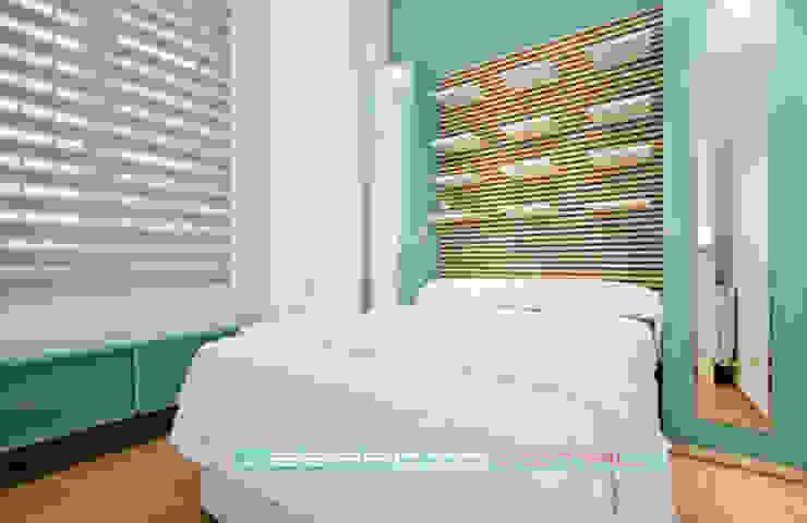 Apartamento SkyLine Dormitorios de estilo clásico de Javier Zamorano Cruz Clásico