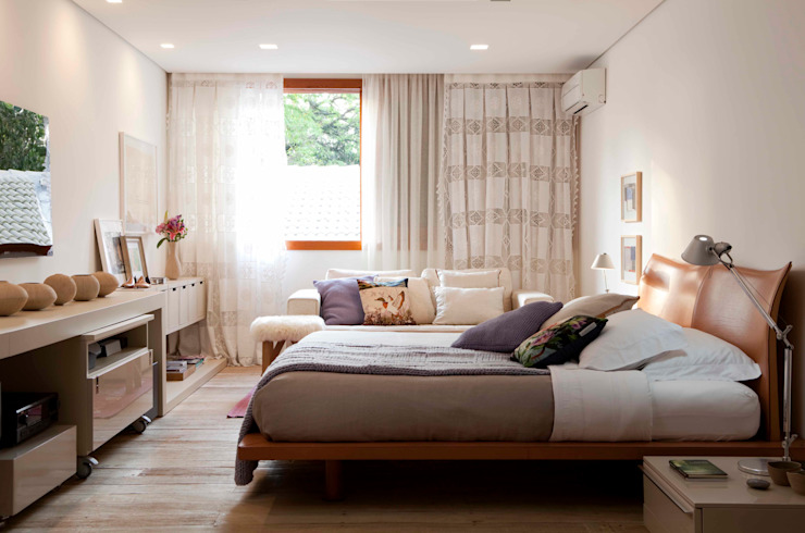 Bedroom by Deborah Roig, Modern