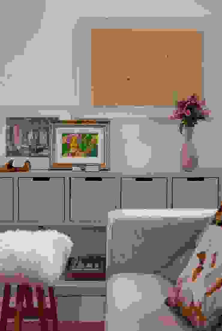 Alto de Pinheiros Salas de estar modernas por Deborah Roig Moderno