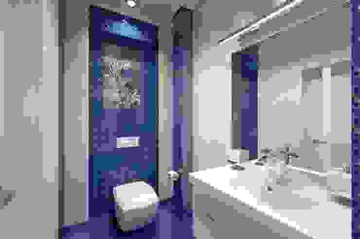 Яркая однушка Ванная комната в эклектичном стиле от Студия Ксении Седой Эклектичный