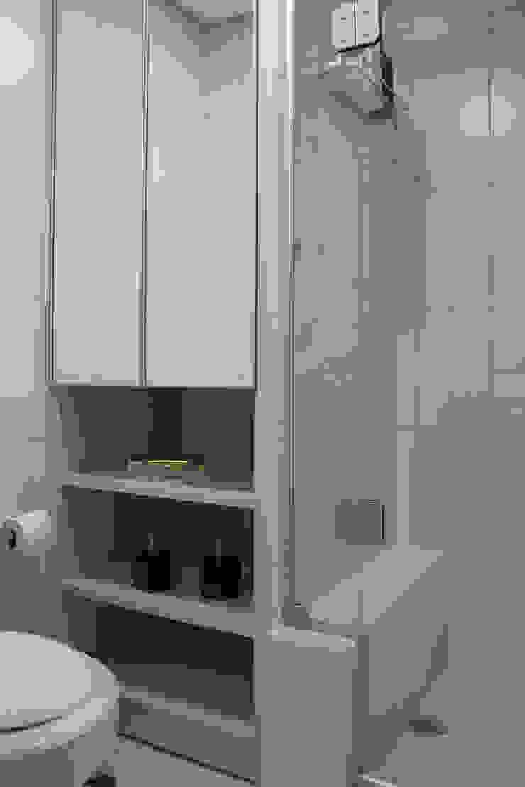 Apartamento Passo D´Areia Banheiros modernos por Bibiana Menegaz - Arquitetura de Atmosfera Moderno