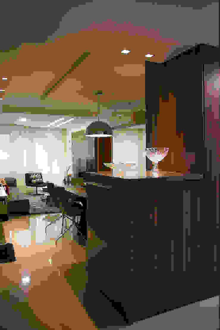 Apartamento Passo D´Areia Corredores, halls e escadas modernos por Bibiana Menegaz - Arquitetura de Atmosfera Moderno