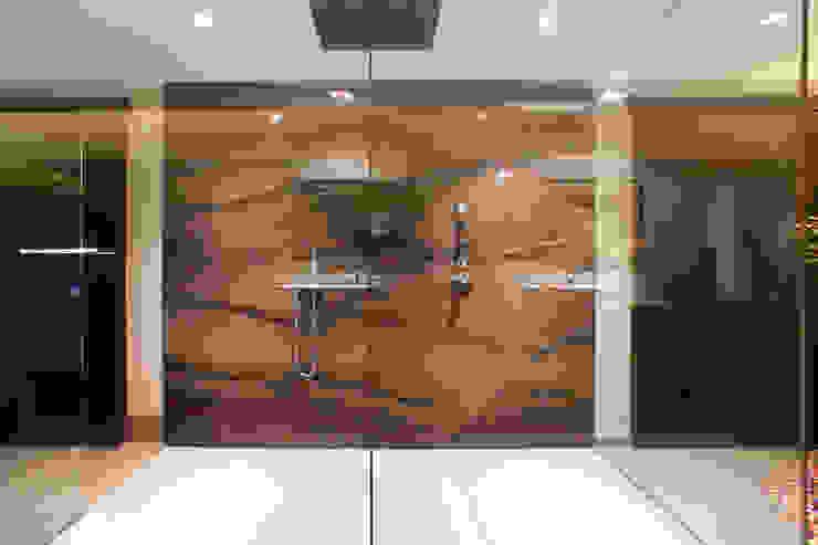 Naturstein Dusche: modern  von Marmor Radermacher,Modern