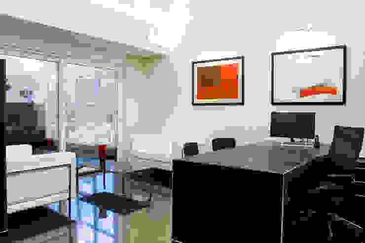 Edifício Sede da Carmo Advogados Edifícios comerciais minimalistas por MMEB arquitetos Minimalista