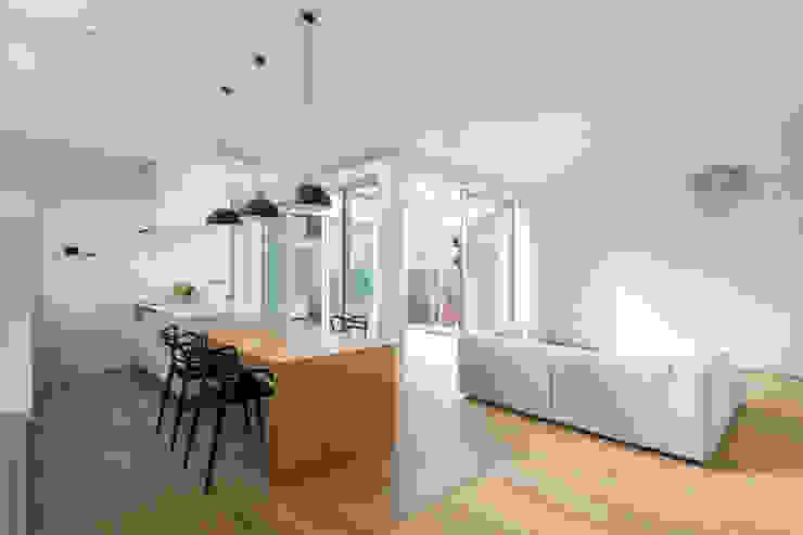 ダイニング・キッチン の H建築スタジオ モダン