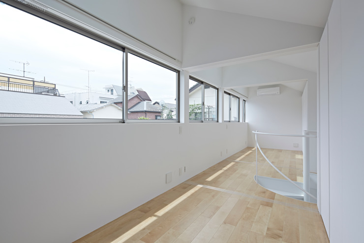Long Window House another APARTMENT LTD. / アナザーアパートメント Eclectic style bedroom
