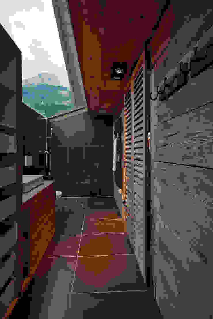 Dusche Badezimmer im Landhausstil von gehret design gmbh Landhaus