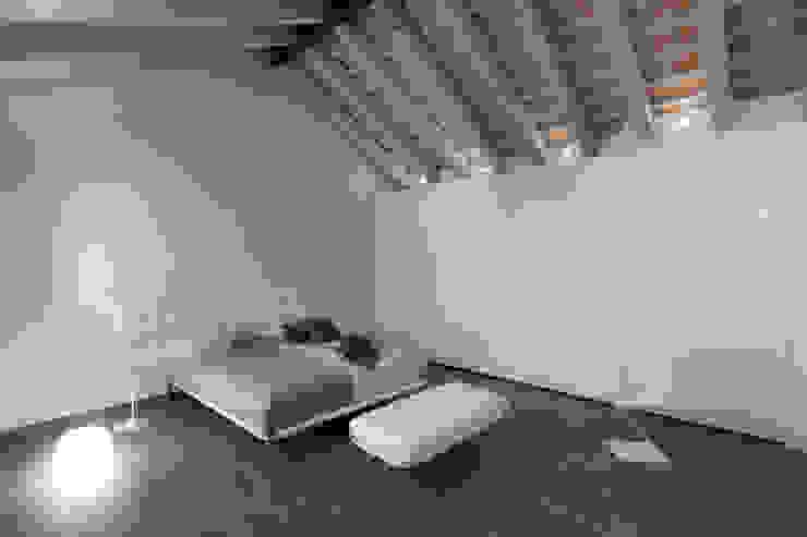 Realizzazione di prestigio Camera da letto moderna di marco19 Moderno
