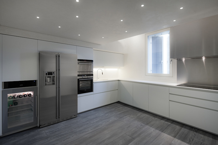 Realizzazione di prestigio Cucina moderna di marco19 Moderno