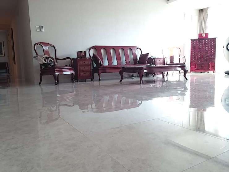 "Natural marble flooring ""NEW EASYSTONE"" Classic style living room by (주)이지테크(EASYTECH Inc.) Classic"