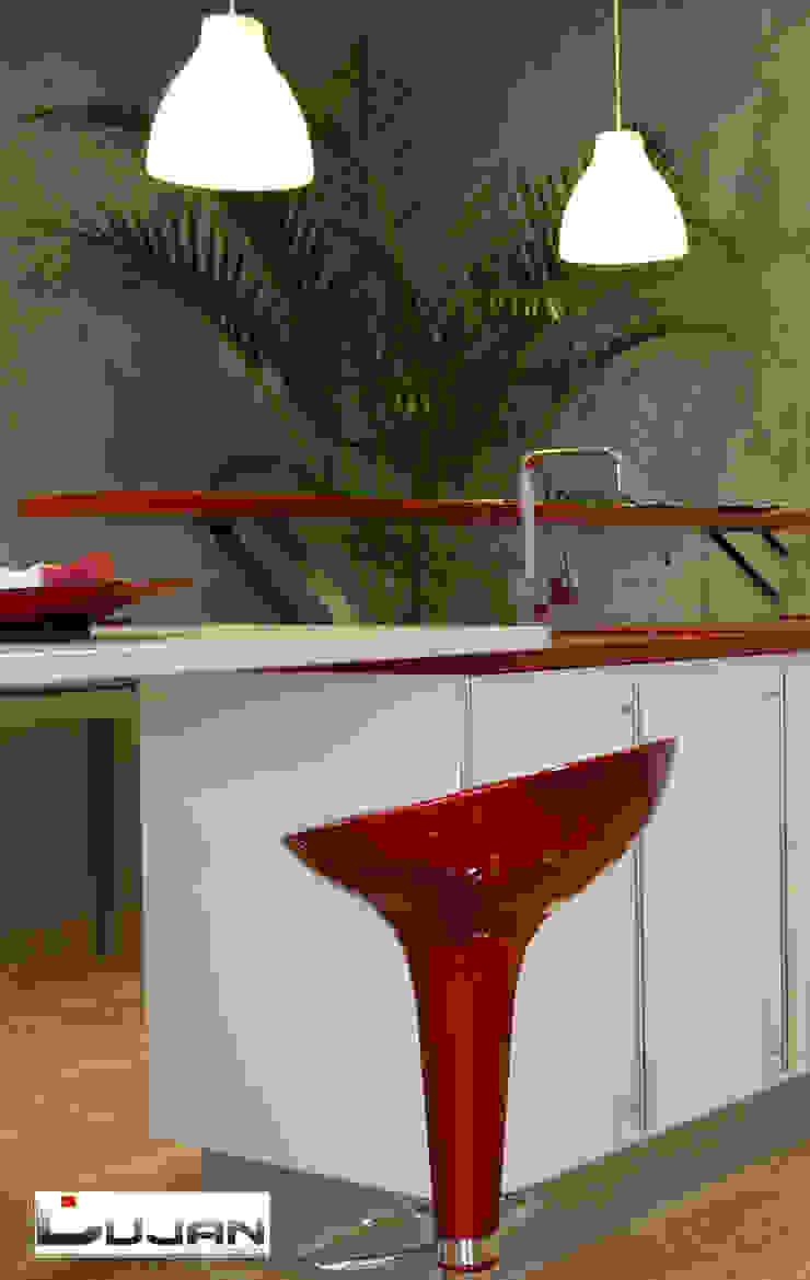 Barra elevada Lujan Marmoles Cocinas de estilo moderno
