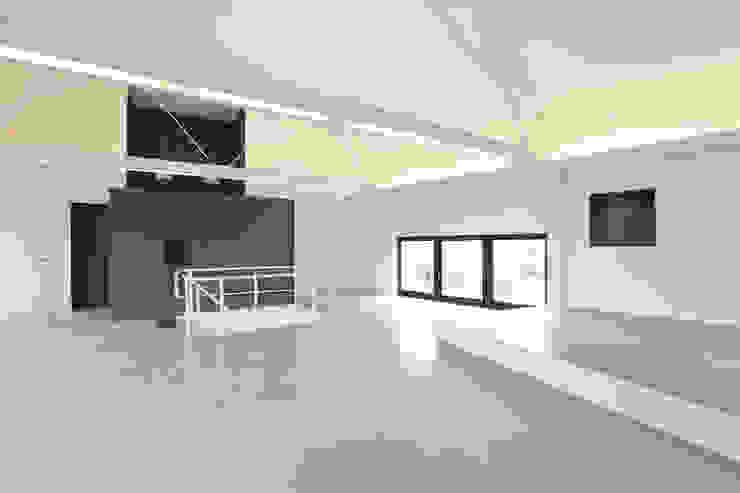 โดย Neugebauer Architekten BDA มินิมัล