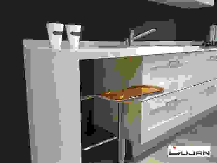 Barra de desayuno Lujan Marmoles Cocinas de estilo moderno