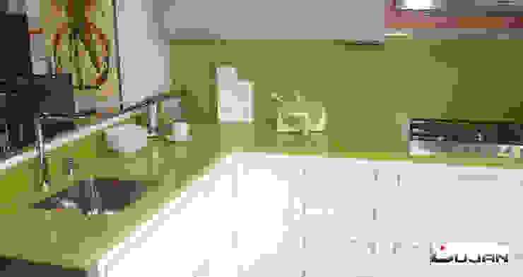 Encimera Verde Fun de Silestone Lujan Marmoles Cocinas de estilo moderno