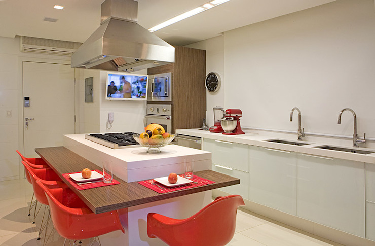 Modern kitchen by Studio Karla Oliveira Modern