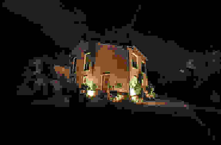 """Agriturismo tenuta """"La Pergola"""" _ Bardolino Hotel in stile rurale di andrea borri architetti Rurale"""