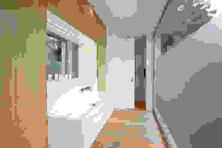 Baños de estilo  por Neugebauer Architekten BDA