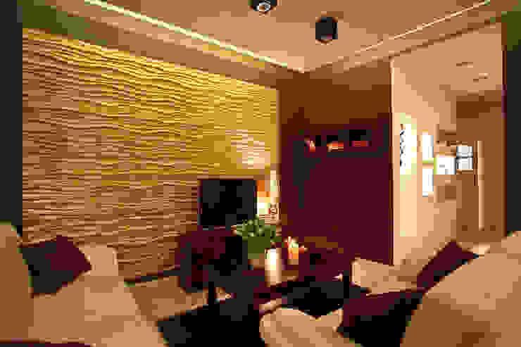 Ruang Keluarga Klasik Oleh Loft Design System Deutschland - Wandpaneele aus Bayern Klasik