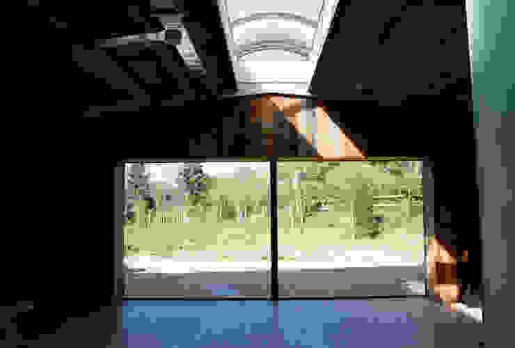 Basing Farm Puertas y ventanas modernas de IQ Glass UK Moderno