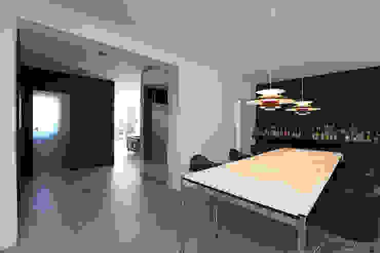 Modern Dining Room by Neugebauer Architekten BDA Modern
