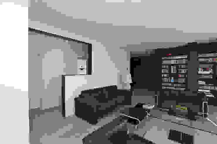 Modern Living Room by Neugebauer Architekten BDA Modern