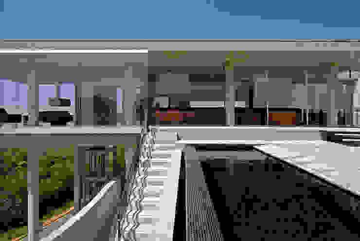 Moderne Häuser von Humberto Hermeto Modern