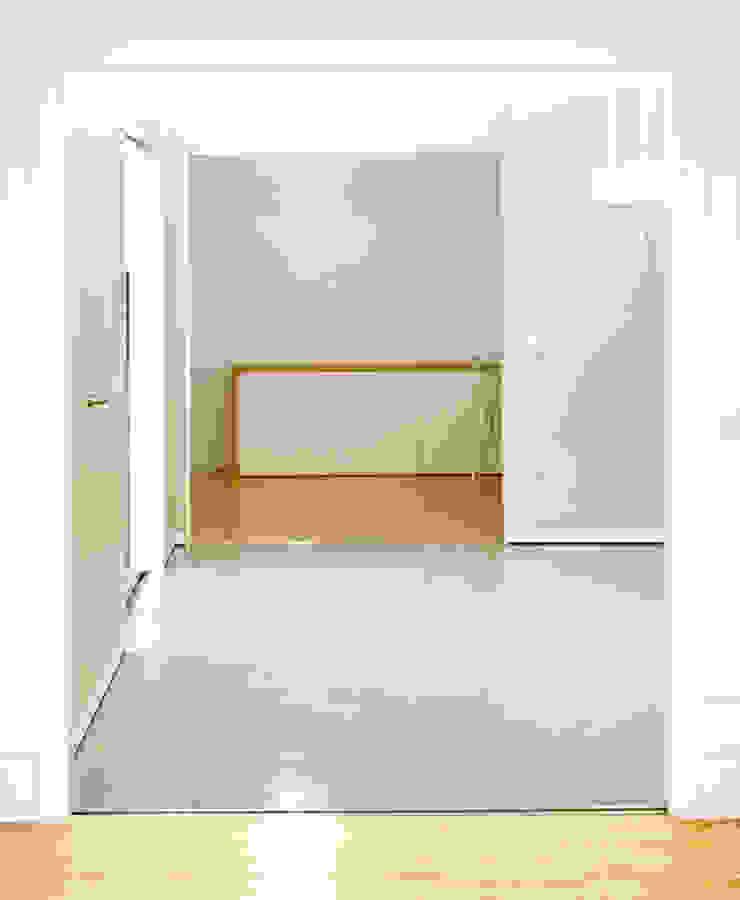 MEETING POINT Comedores de estilo moderno de soma [arquitectura imasd] Moderno