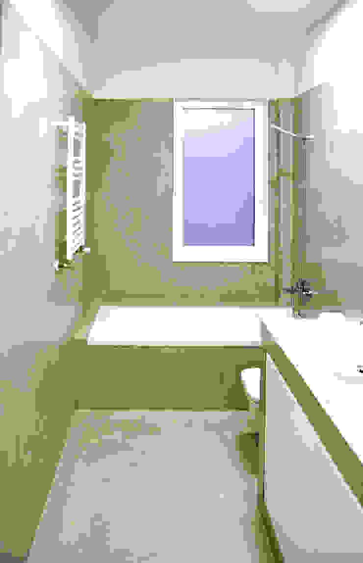 MEETING POINT Baños de estilo moderno de soma [arquitectura imasd] Moderno