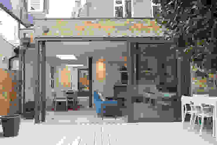 Lysia Street Moderne tuinen van S&Y Architects Modern