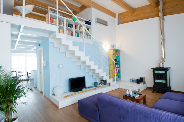 Salas de estilo mediterraneo de Studio Archipass Mediterráneo