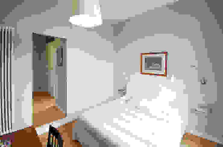 manzoni Camera da letto moderna di andrea borri architetti Moderno