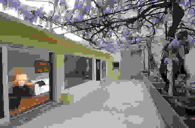 manzoni Balcone, Veranda & Terrazza in stile moderno di andrea borri architetti Moderno