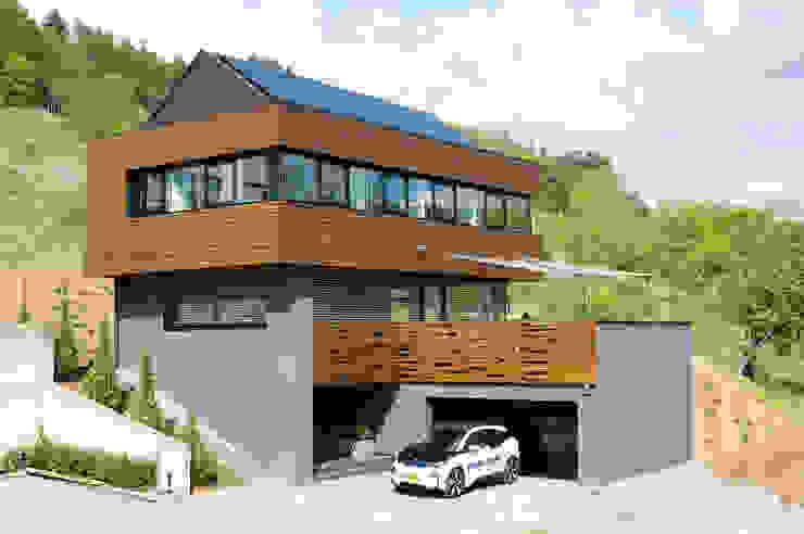 Modern Houses by massive passive Modern