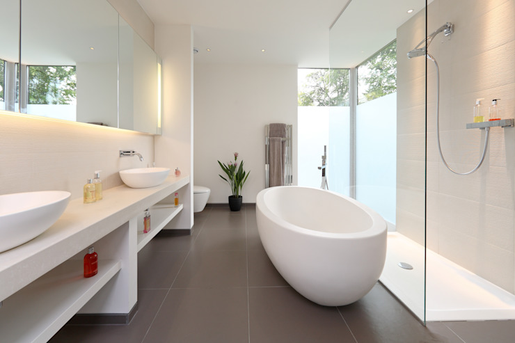 ​Brixham House Tye Architects Modern style bathrooms