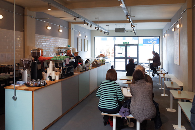 Fee & Brown Coffee House, Orpington Modern gastronomy by Tendeter Modern