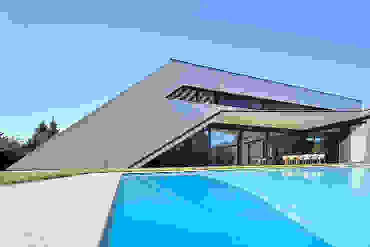 Piscinas de estilo moderno de haas_architektur ZT GmbH Moderno