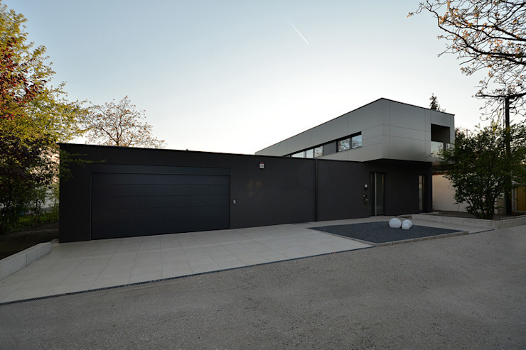 Nowoczesny garaż od haas_architektur ZT GmbH Nowoczesny