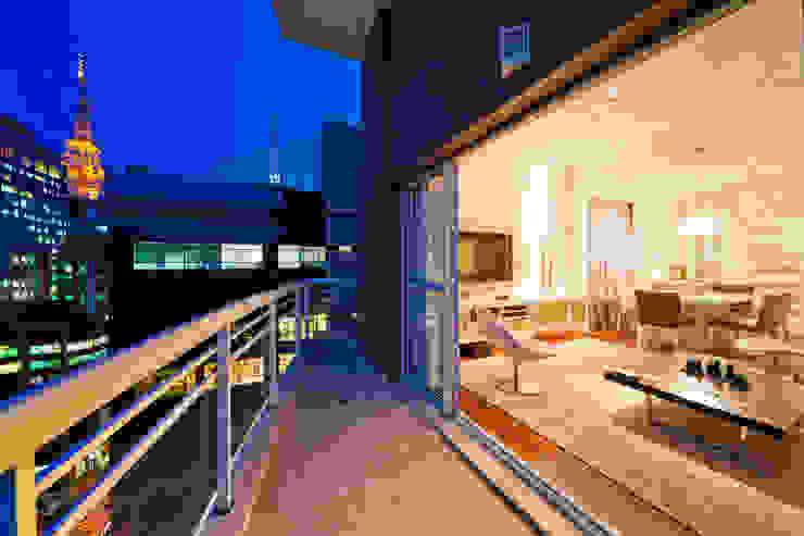 Varanda Varandas, alpendres e terraços modernos por Enzo Sobocinski Arquitetura & Interiores Moderno Derivados de madeira Transparente
