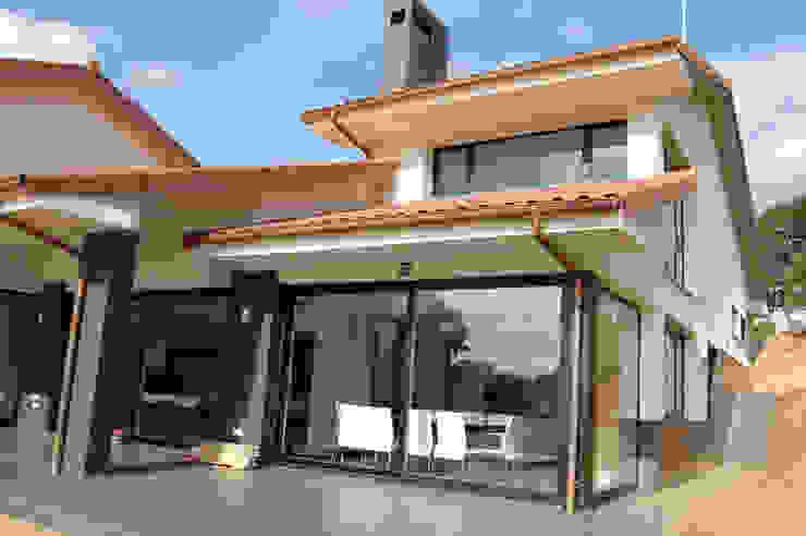 Vivienda Unifamiliar en Noreña Casas de estilo moderno de Eva Fonseca estudio de arquitectura Moderno