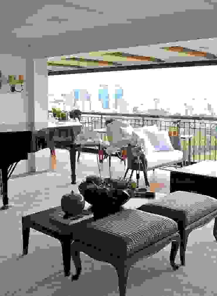 Sala de Convivência - Apartamento São Paulo Salas de estar clássicas por Vaiano e Rossetto Arquitetura e Interiores Clássico