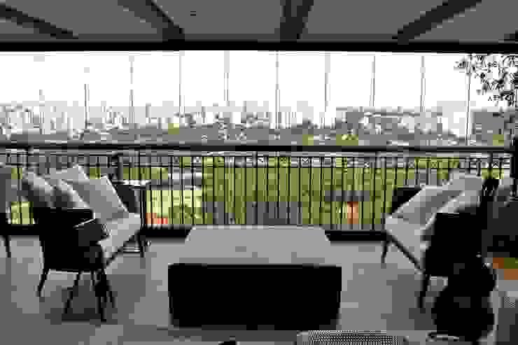 Terraço Apartamento São Paulo por Vaiano e Rossetto Arquitetura e Interiores Clássico