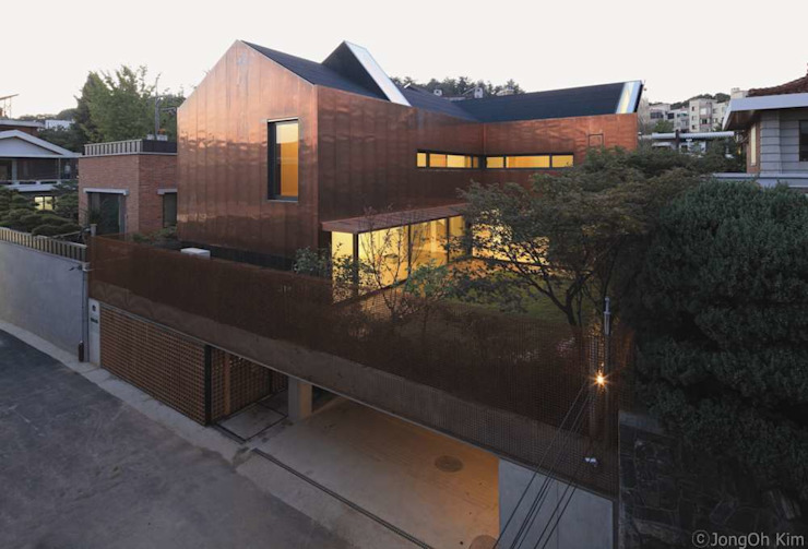 Yeon-hui dong house 모던스타일 주택 by ISON ARCHITECTS 모던