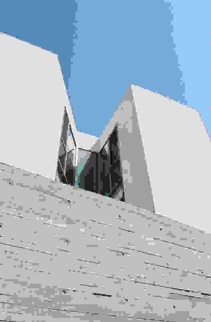 ISON ARCHITECTS Pusat Eksibisi Modern